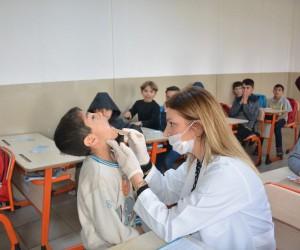 Suriyeli 600 öğrenciye diş taraması