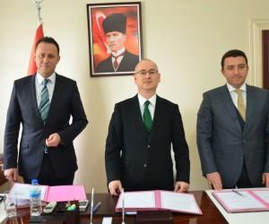 Bozüyük'te eğitim alanında iki protokolü imzalandı
