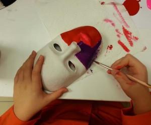 Minikler gülen yüz maskeleri tasarlayacak