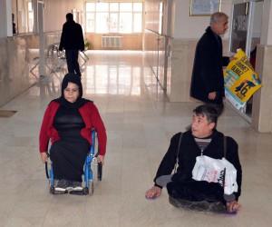 Engelli çift, seferberlikle son engeli de aştı