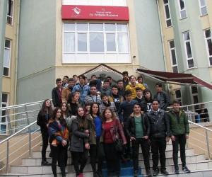 Öğrenciler Bafra 75. Yıl Huzurevinde