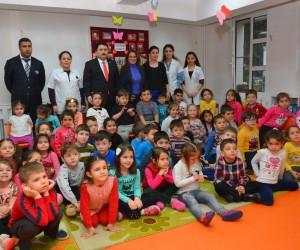 Başkan Avcı, minik öğrencilere masal anlattı
