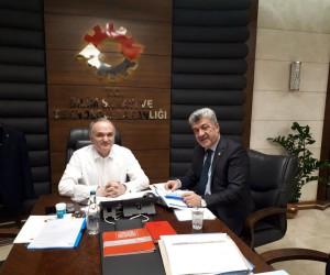 Başkan Yiğit, Bakan Özlü ile Yığılca'nın projelerini görüştü