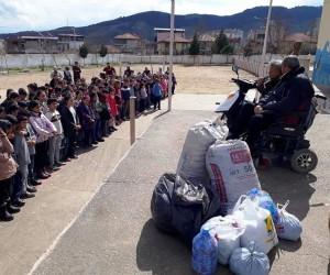 Alaşehirli öğrenciler 15 bin mavi kapak topladı