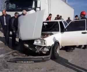 Bursa yolunda can pazarı; 3 yaralı