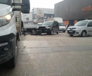 Ertuğrul Gazi caddesinde zincirleme kaza