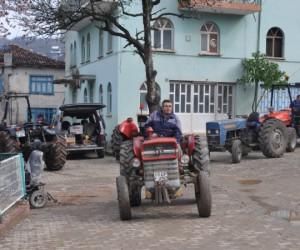Binlerce traktör muayeneden geçti