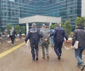 İnegöl'de 2 zehir taciri tutuklandı