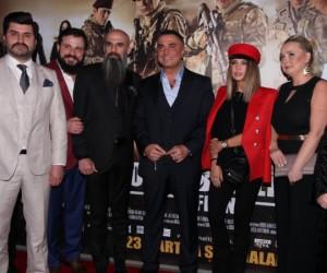 İnegöl'de çekilen Bordo Bereliler filminin galası yapıldı