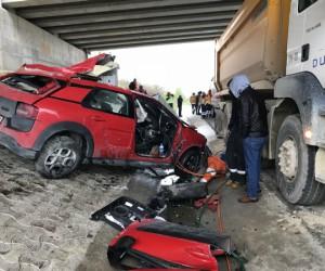 Genç kadın mühendis kaza kurbanı...