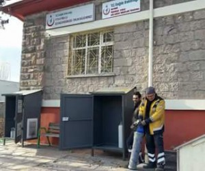 İlçe acil sağlık istasyonlarına portatif oksijen depoları