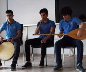 Lise öğrencilerinden 'Zeytin Dalı' koreografili özel klip