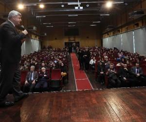 Başkan Karaosmanoğlu, Gölcüklü gençlere 28 Şubat'ı anlattı