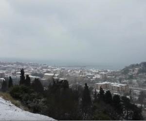Bartın'da fırtına ve kar yağışı hayatı olumsuz etkiliyor