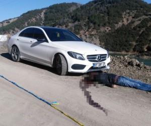 Lüks araçta pompalı ölüm