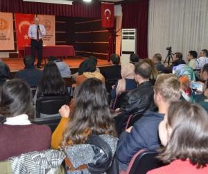 Halit Eruğrul Sason'da öğretmenlere konferans verdi