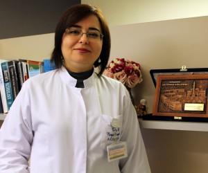 """Doç. Dr. Hüseyinoğlu: """"İnmelerde erken müdahale hayat kurtarıyor"""""""
