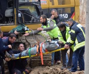 İşçi göçük altında kaldı, şantiye çalışanları gazetecilere saldırdı