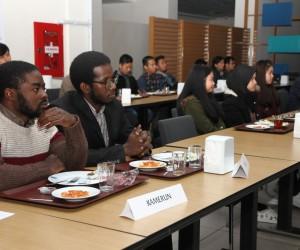 Başkan Kasap Rize'deki yabancı öğrencilerle kahvaltıda buluştu