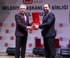 En beğenilen belediye başkanı ödülü Nihat Çiftçi'nin