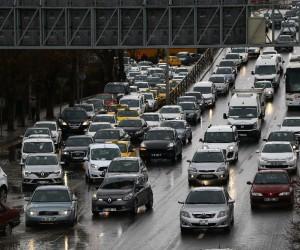 Başkent Mevlana Bulvarı'nda Ankamall trafiği vatandaşları bıktırdı