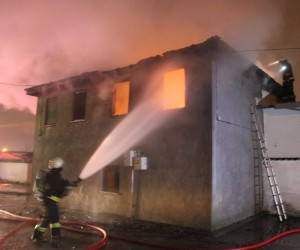 Alkollü genç tartıştığı annesinin evini yaktı