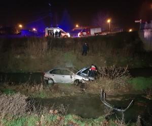 Tokat'ta otomobil dereye uçtu: 2 yaralı