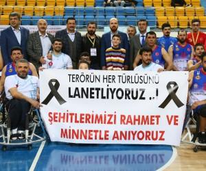 Taha Akgül'deki ilk maçı Bilal Erdoğan ve Başkan Ak birlikte izledi