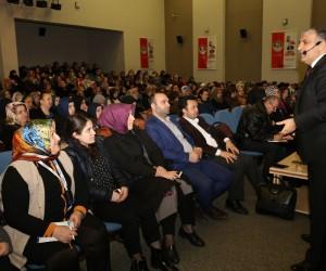 Aile Okulu eğitimleri Mehmet Baki Öztürk ile devam etti