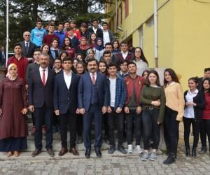 Belediye Başkanı Yaşar Bahçeci gençlerle buluştu