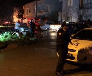 Asker kaçağı şahıs polislere saldırdı: 1 polis şehit, 2 yaralı