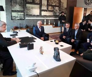 Başkan Karaosmanoğlu'dan tekstil fabrikasına ziyaret