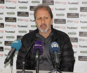 G.Manisaspor'da Teknik Direktör Taşkın istifasını duyurdu