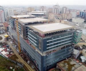 (Özel) Okmeydanı Eğitim ve Araştırma Hastanesi'nde yenilenen binasındaki son durum havadan görüntülendi