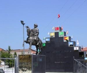 Osmangazi'nin 3'üncü oğlu Pazarlı Bey'in anıtındaki yenileme çalışması bitti