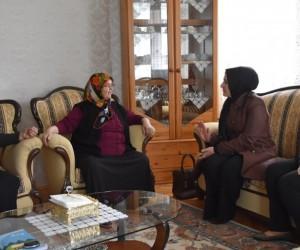 Fatma Çolakbayrakdar Okuma Yazma Öğrenen Kursiyerleri Ziyaret Etti