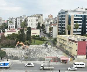 Başkan Sözlü, yeni 'Kent Meydanı' alanını inceledi