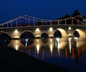 Tarihi taş köprü restore edilecek