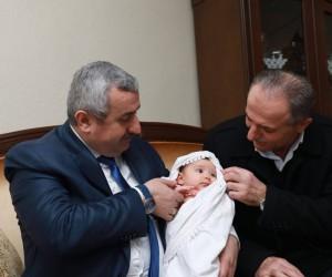 Başkan Baran'dan Hoş Geldin Bebek ziyareti