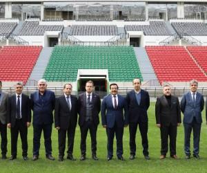 Başkan Atilla yeni stadyumu inceledi