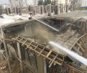 İnşaat halindeki binanın 3. katı çöktü