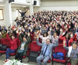 Dizi oyuncusu İğdigül, hayvan sevgisini anlatmak için Türkiye'yi geziyor