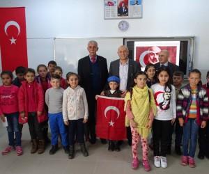 Öğrenciler İstiklal Marşı'nı en güzel okumak için yarıştılar