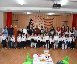 Balahatun Anaokulu'ndan Kadınlar Günü programı