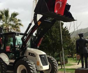 Bayırköy Belediyesi'ne kazıcı-yükleyici beko hibe edildi