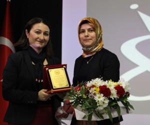 Lise öğrencilerine 'Dünden Bugüne Türk Kadını' semineri