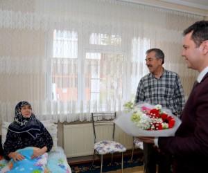 Sağlık Müdürü Bilge, hastaları evlerinde ziyaret etti