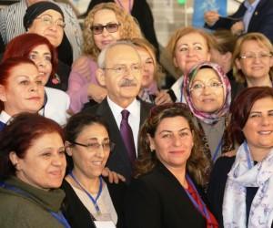 CHP lideri Kılıçdaroğlu kadın muhtarlarla buluştu