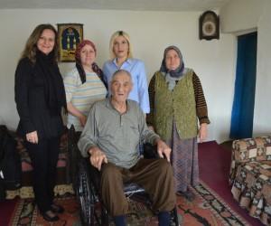 Beylikova'da ihtiyaç sahibi vatandaşa tekerlekli sandalye