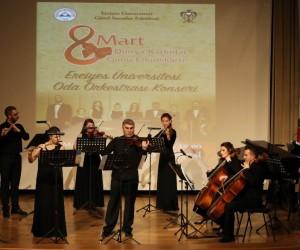 ERÜ Oda Orkestrası 'Kadınlar Günü Özel Konseri' verdi